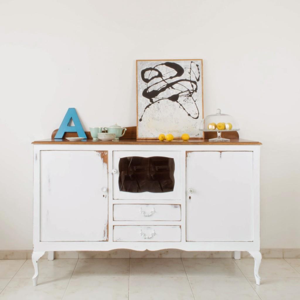 Como restaurar un mueble antiguo en blanco un lavado de for Como restaurar un mueble viejo
