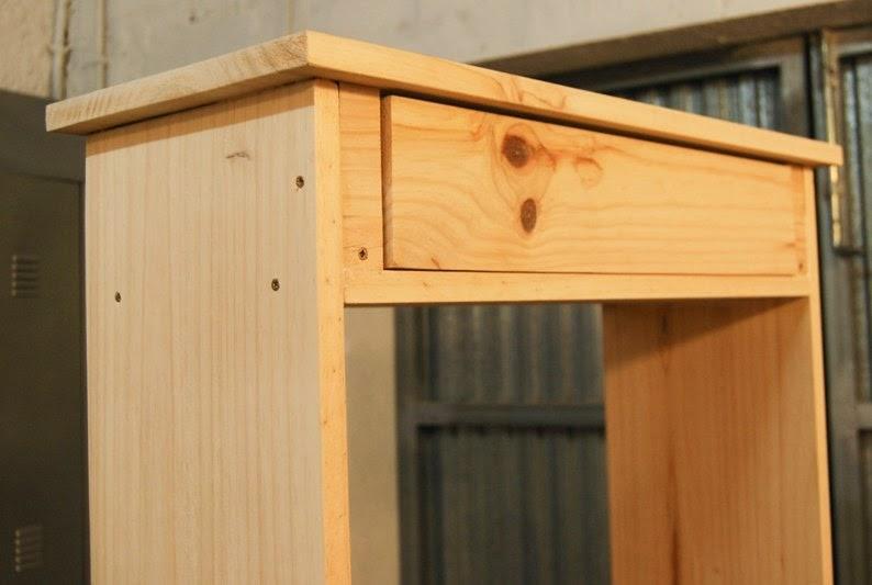 Una vez tenemos la estructura montada y comprobamos que el cajón abre