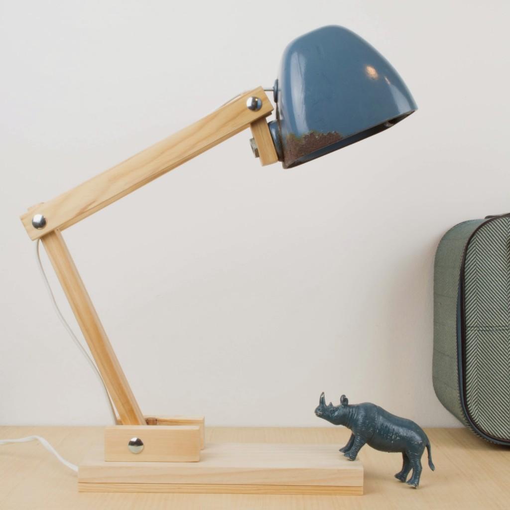 C mo hacer una l mpara de escritorio con un faro de - Como hacer una lampara de mesa ...