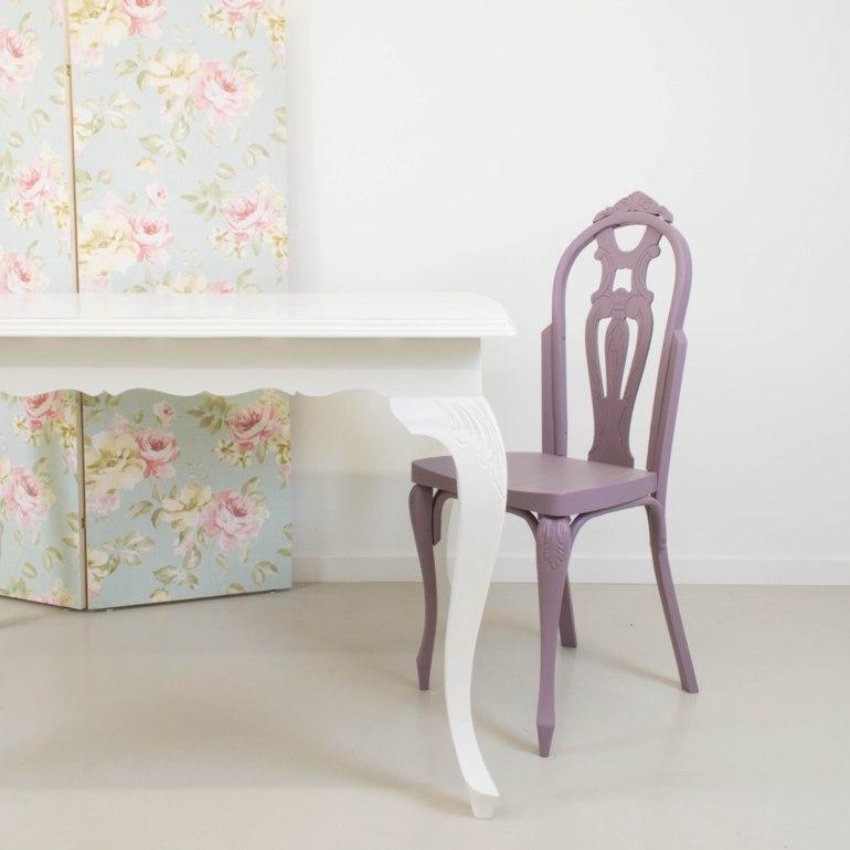 Transformar una mesa antigua pintando en blanco en el for Mesas antiguas de madera