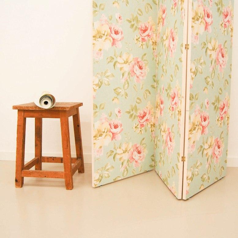 C mo hacer un biombo sencillo con papel pintado en el taller de antic chic - Que es un biombo ...