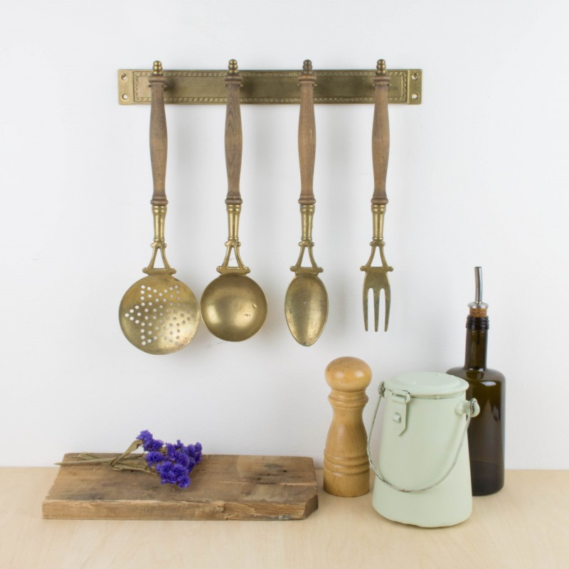 Antiguos utensilios de cocina para colgar menaje cocina for Utensilios de menaje