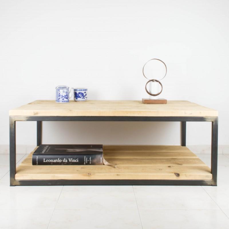 Mesa de centro de hierro y madera de pino recuperada for Como hacer una mesa estilo industrial